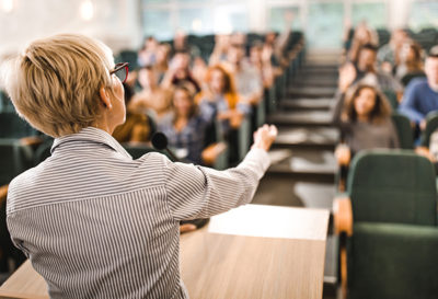Dynamic and Effective Teaching Through Applied Improvisation
